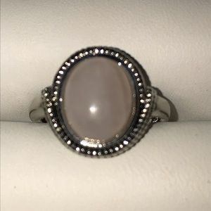 Jewelry - Size 5 moonstone